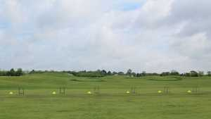 Fox Hills Golf Center - Golden Fox: Driving range