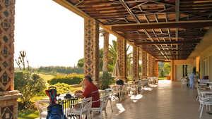 Golf du Soleil: Restaurant's terrace