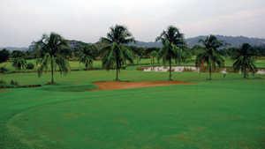 Mahulu Golf Course & Putri Ayu Inn Cottages