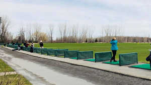 Val-des-Arbres Golf Center: Driving range