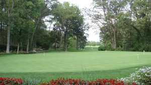 Hickory Hills GC: putting green