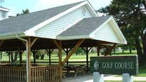 Hiawatha GC: shelter house