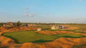 Erin Hills GC - The Drumlin: Clubhouse