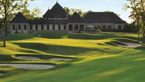 Pinnacle GC: Clubhouse