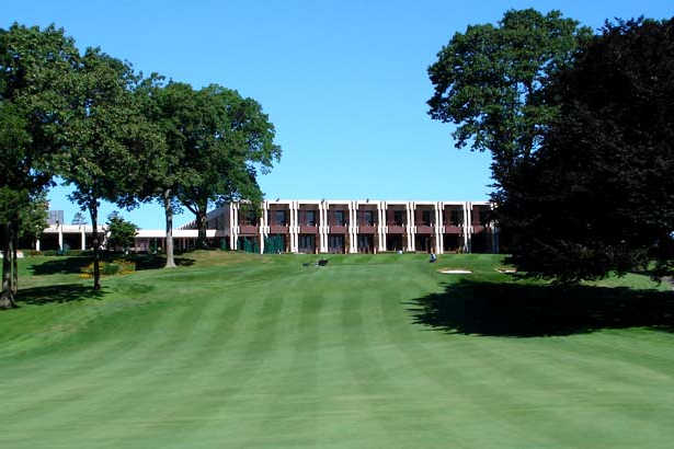 Blue Red At Glen Oaks Club In Old Westbury New York Usa