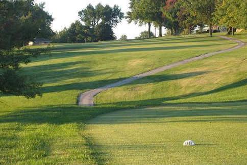 Hillcrest Golf & Country Club - Golf in Batesville, Indiana  |Hillcrest Golf Club