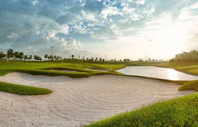 Kết quả hình ảnh cho long bien golf course