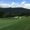 A view of a green protected by bunkers at Diamond Creek (Ivy Diel)