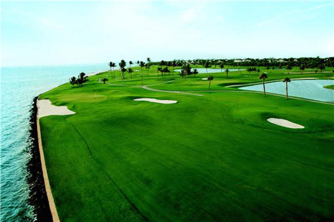 Gasparilla Inn & Club's Pete Dye-redesigned course features stunning long-range water views. (Gasparilla Inn & Club)
