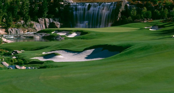 See that waterfall behind the green? It turns out that the cart path on the right tacks right behind the cascading waters. (Wynn Golf Club)