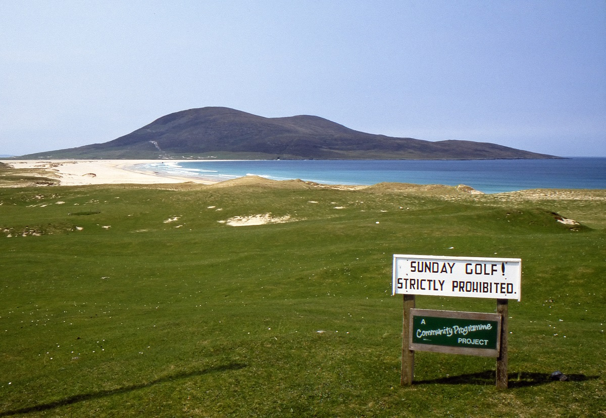 Scarista's rough-and-tumble links is a joy to play...just not on Sundays (Wikimedia Commons)
