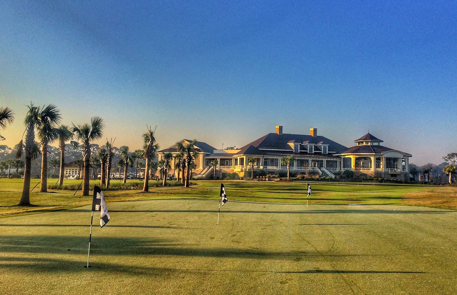 The short game practice facility at Sea Pines' Heron Point and Atlantic Dunes courses is both functional and scenic. (Brandon Tucker/Golf Advisor)