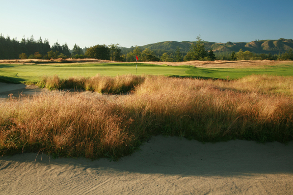 No, it's not a pure substitute for the Bandon Dunes golf courses, but Bandon Crossings is well above-average and is easier on the wallet than its more famous cousins. (Golf Odyssey)