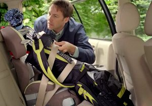 """""""Carseat"""" is one of the funny FedEx golf club shipping ads running on TV."""