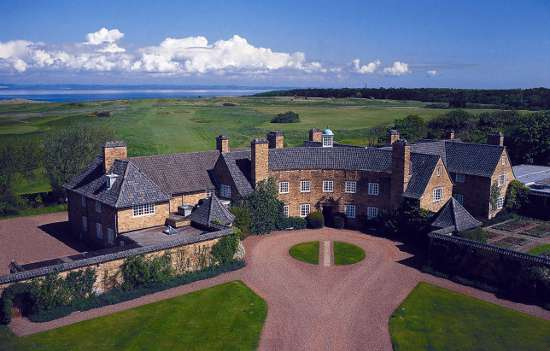 "Trying to score one of Muirfield's precious tee times? This may be your ""inn."""