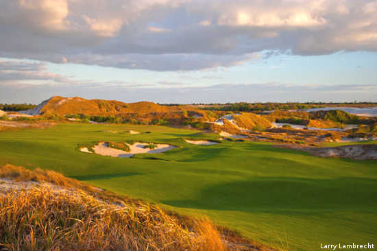 The golf courses at Florida's Streamsong Resort resemble those in the sandhills of Nebraska.
