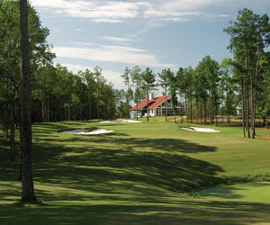 Stay & Play 18 at Arrowhead Pointe Golf Course
