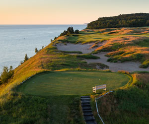 The Arcadia Bluffs Experience Package